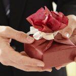 結婚一周年記念の紙婚式とは?妻へのオススメのプレゼント!